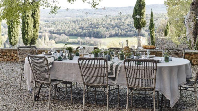 outdoor dining ideas with view