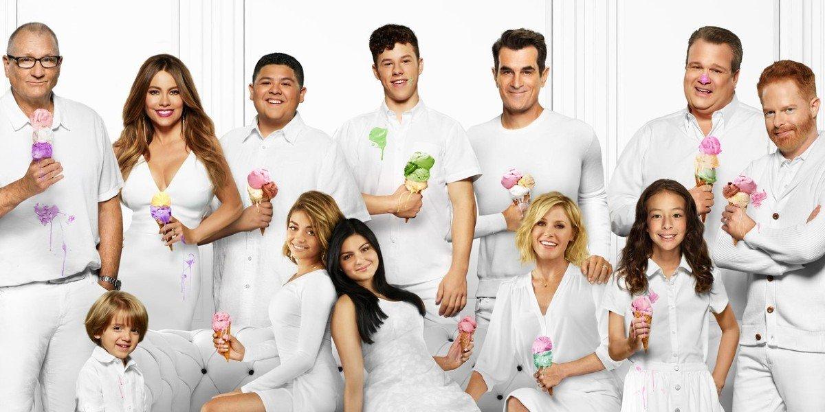 The Cast of Modern Family - Season 10 Poster