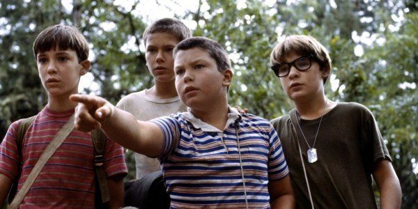 Stand By Me Wil Wheaton River Phoenix Jerry O'Connell Corey Feldman investigate the woods