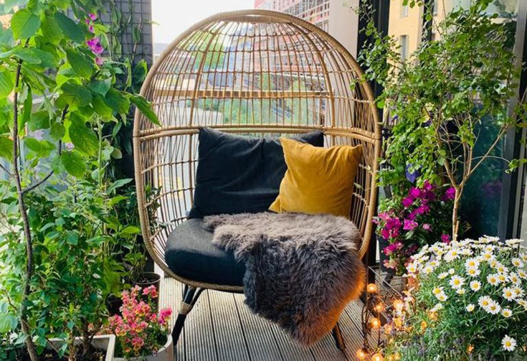 B&Q garden furniture