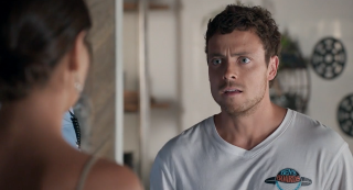 Dean Thompson and Mackenzie Booth in Home and Away.