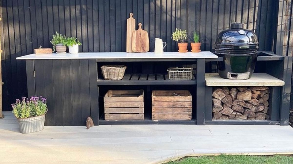 See how two DIY fans made a stunning outdoor kitchen for just £150