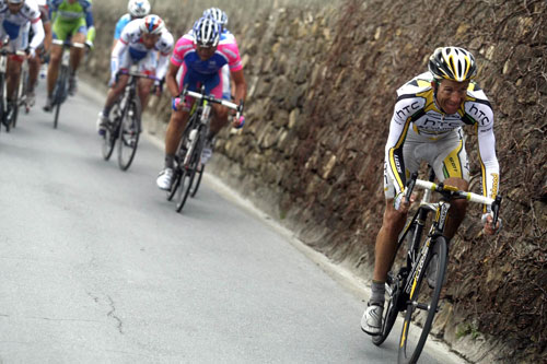 Michael Rogers attacks, Milan-San Remo 2010