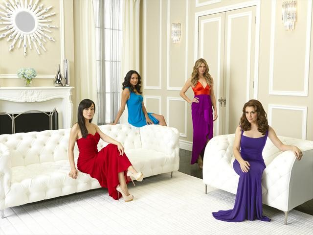 Alyssa Milano, Yunjin Kim And The Rest Of The Mistresses Cast Pose For Glamorous Photos #25947