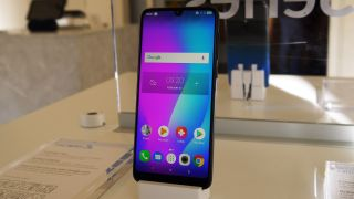 Hands on: Hands on Alcatel 3L (2019) review