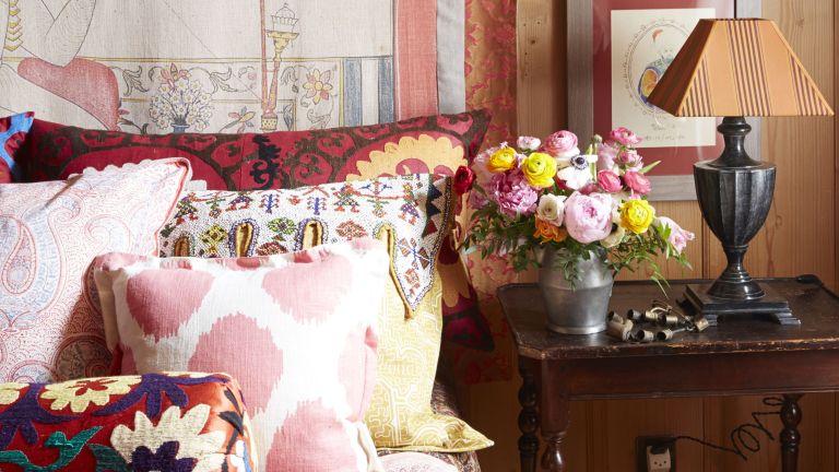 Cluttercore interiors trend