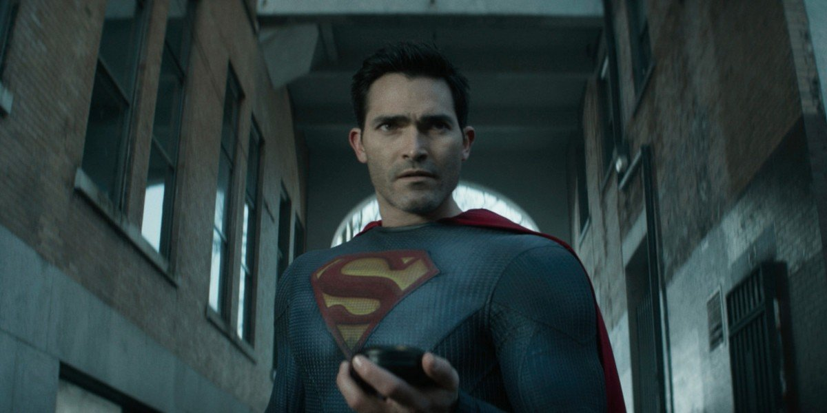 Superman looking puzzled Superman and Lois The CW