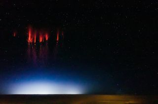 Column-shaped red sprites