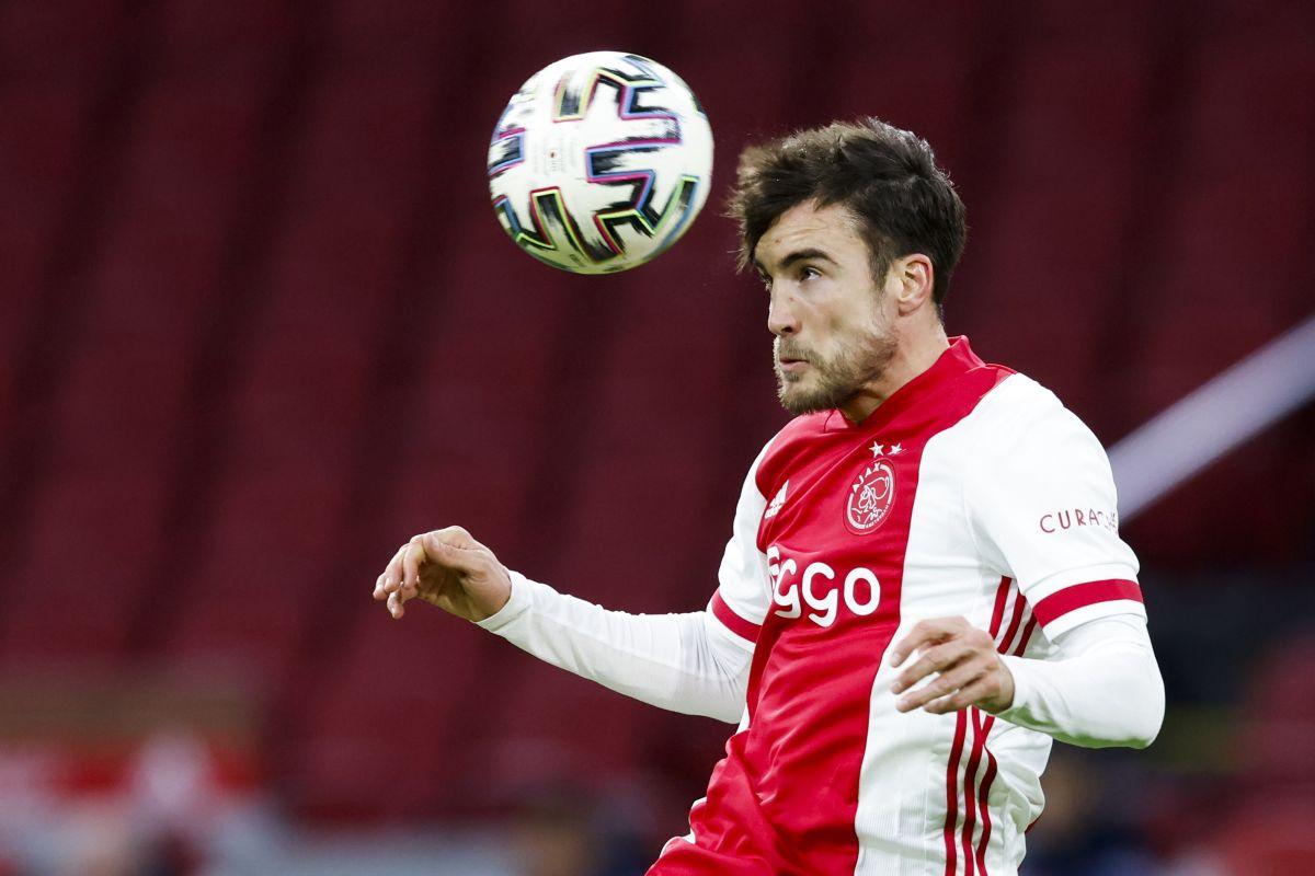 Leeds United transfer news: Marcelo Bielsa keen on Ajax defender