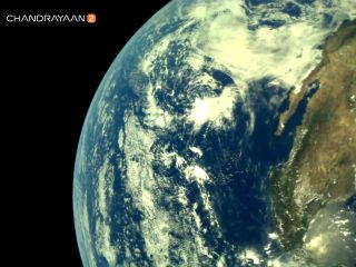 Stunning Photos Show Earth from India's Spacecraft Headed to