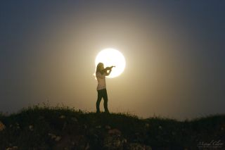 Full Pink Moon and violinist