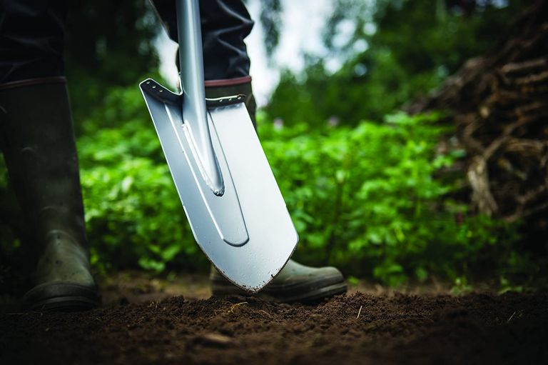 the best gardening tools: Fiskars Xact Large Digging Spade