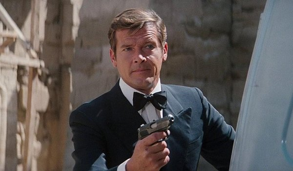 The Spy Who Loved Me Roger Moore gun drawn searching for someone