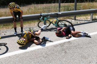 Gijs Leemreize crashed on stage 1 of theVuelta a Burgos