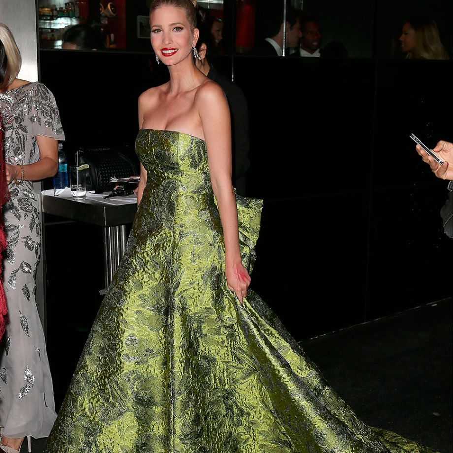 c44c2c1867c Oscar De La Renta s Most Beautiful Gowns
