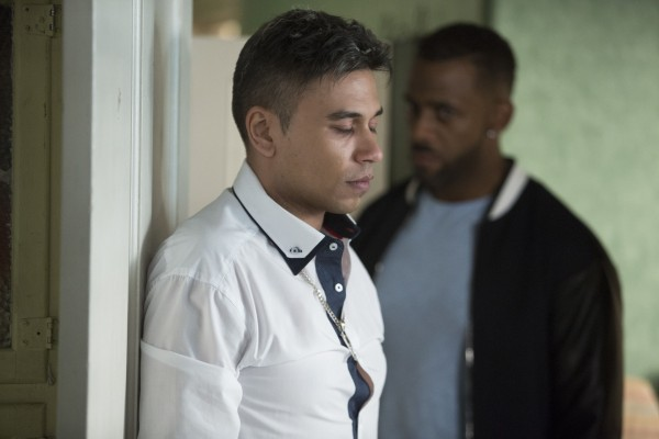 A furious Vincent tells Fatboy he is not impressed with how he has treated Donna.