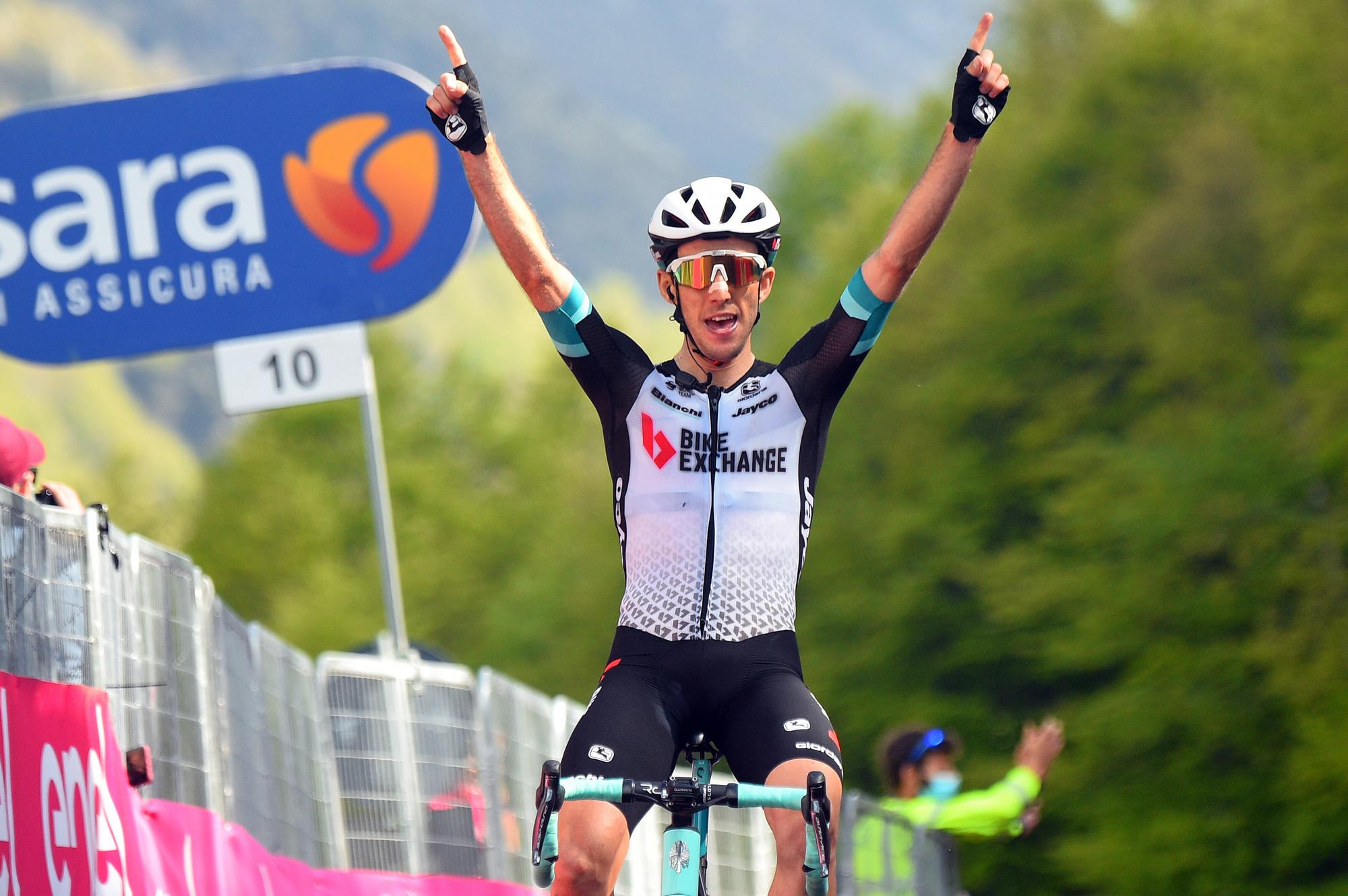 Giro d'Italia 2021 - 104th Edition - 19th stage Abbiategrasso - Alpe di Mera 166 km - 28/05/2021 - Simon Yates (GBR - Team Bikeexchange) - photo Luca Bettini/BettiniPhoto©2021