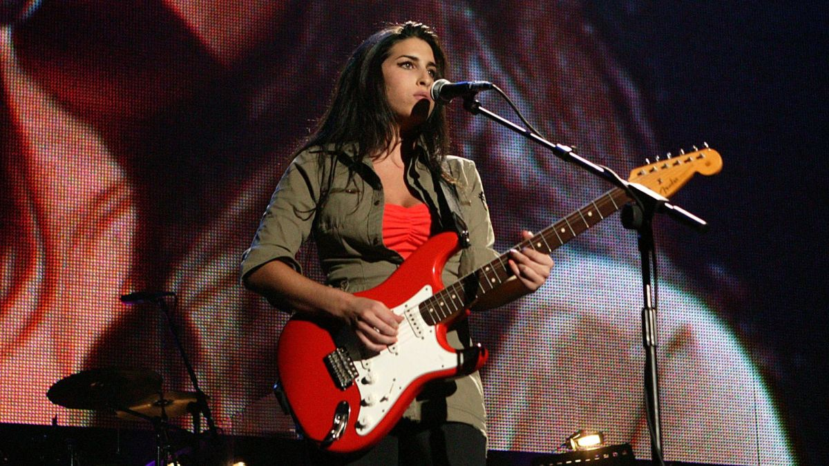 Watch Amy Winehouse Blow Wembley Arena Away Using Just Her Voice and a Stratocaster