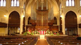 Minneapolis Church Upgrades to Bose Panaray MA12EX Modular Line Arrays
