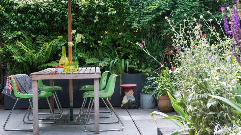 free garden ideas – clean patio with parasol