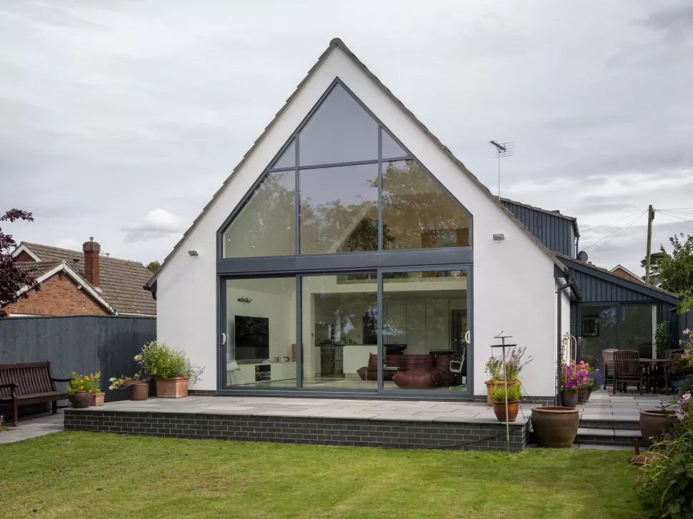 Before and After: A Dated 60s Bungalow Given a Contemporary Makeover