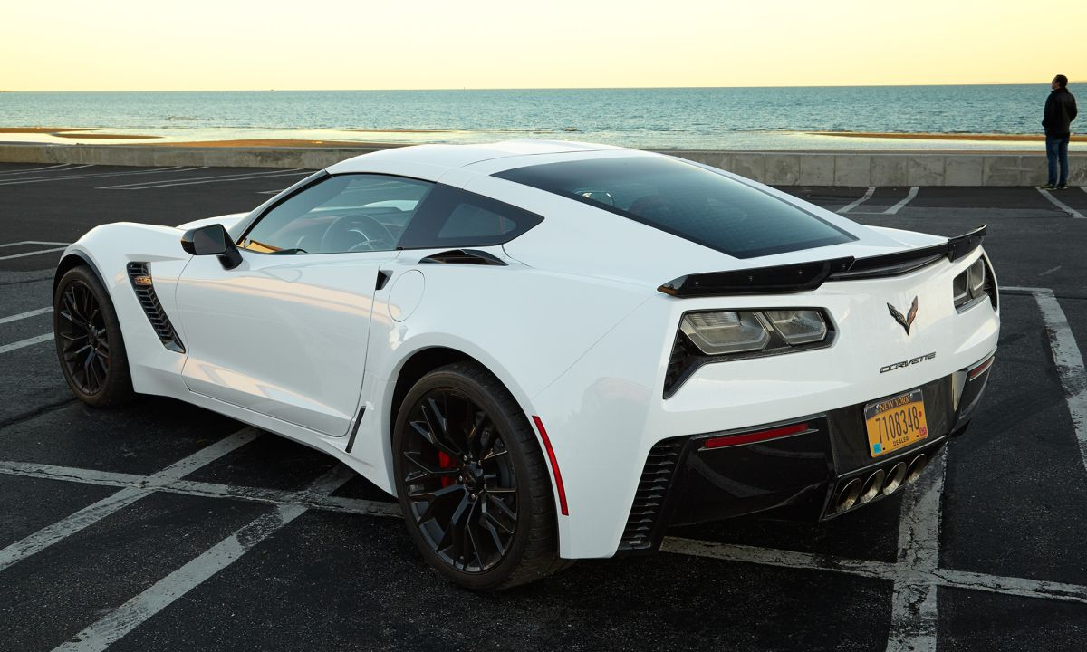 2016 Corvette Z06 Review: High-Tech Supercar Is a Steal
