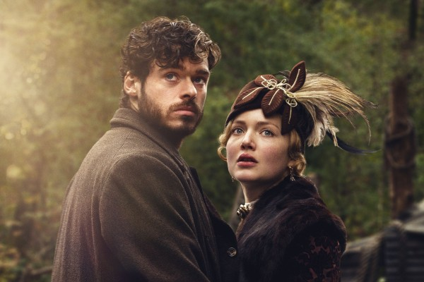 Oliver Mellors (RICHARD MADDEN), Constance Chatterley (HOLLIDAY GRAINGER) (BBC Pictures)