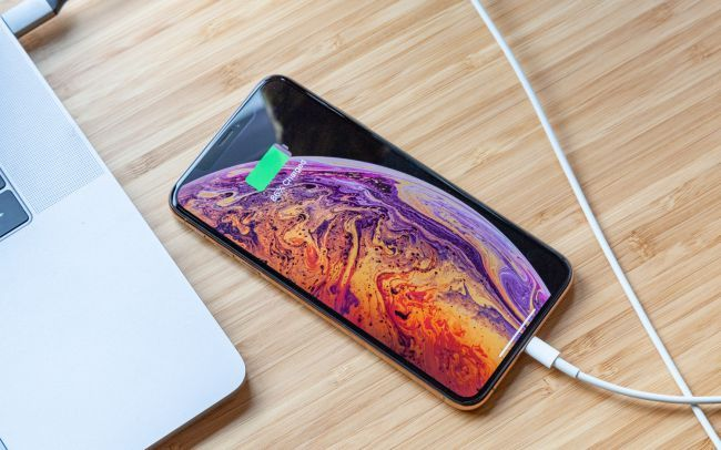 FCC Retesting iPhone And Galaxy Phones For Radiation Following Investigation
