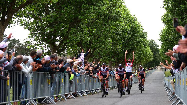 watch Tour de France online
