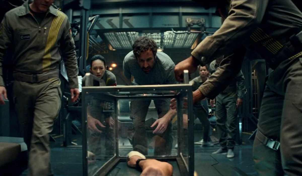 The Cloverfield Paradox Gordon amazed that his arm has been trapped