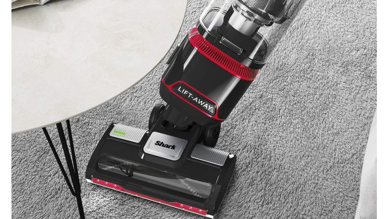 Shark Upright Vacuum cleaner Black Friday deal