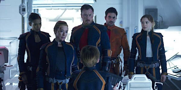 Lost in space netflix parker posey dr.smith