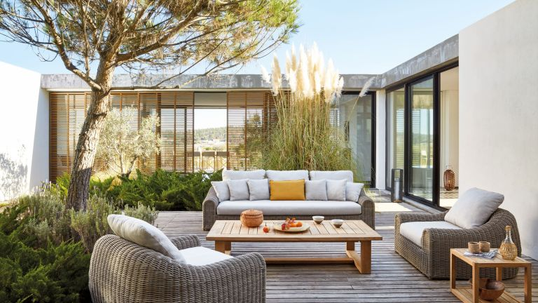 small garden ideas: outdoor seating on decking go modern furniture