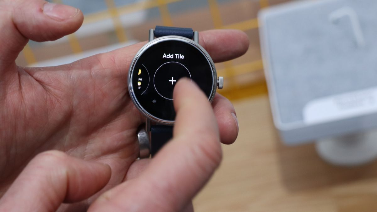 'Tiles' bring Wear OS closer to the clean Apple Watch experience
