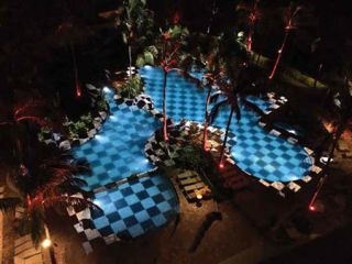Hawaii Resort Entertains Vacationers with 3D Pool Mapping Show