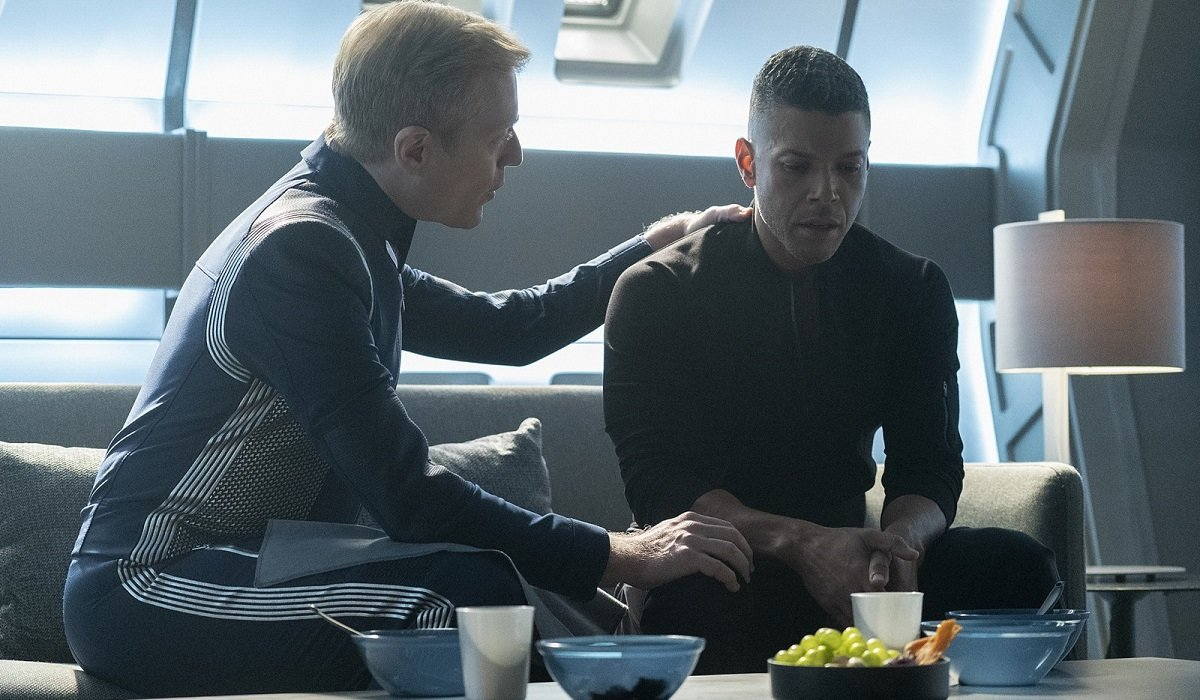 Stamets Consoling Culber Star Trek: Discovery CBS All Access