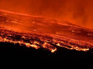 etna-eruption-lava-110801