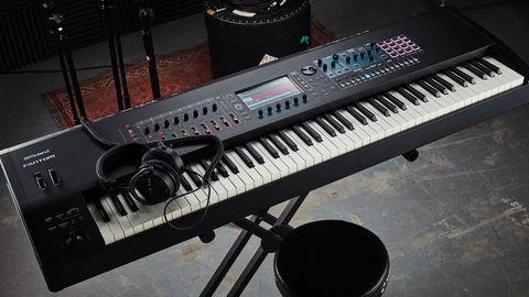 Roland Fantom-8