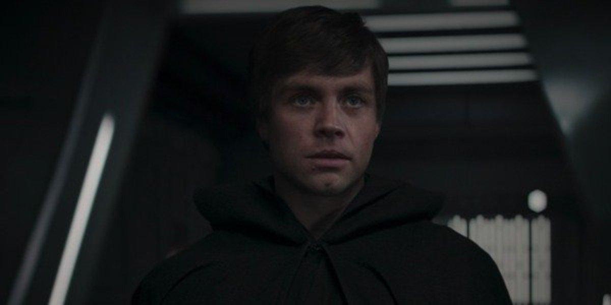 Luke Skywalker (Mark Hamill) arrives in The Mandalorian (2020)
