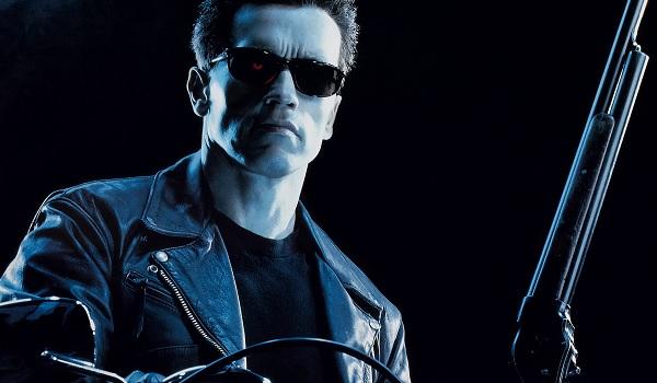 Terminator 2: Judgement Day Arnold Schwarzenegger T-800 mounted on his bike
