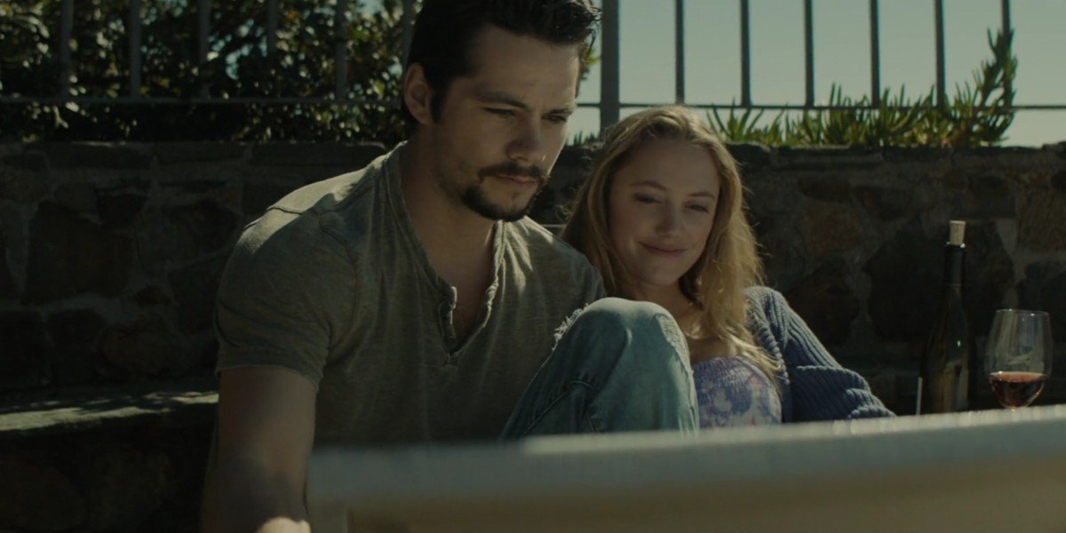Dylan O'Brien and Maika Monroe in Flashback