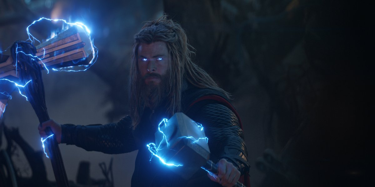 Thor in Avengers Endgame dual wielding