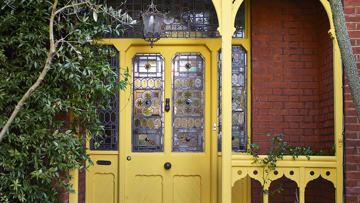 The color rule you need to know when painting your front door – and the colors to avoid