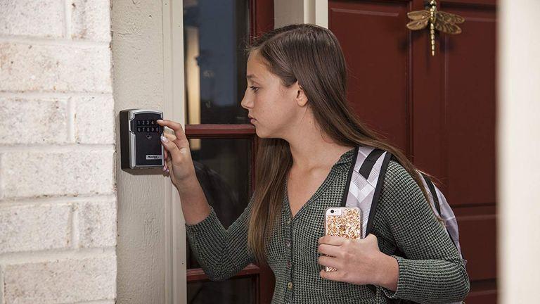 Best key safes: Masterlock Bluetooth Lock Box