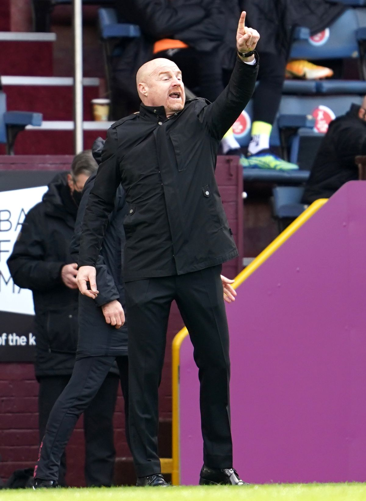 Sean Dyche confident Burnley owners can get past survival target by looking up