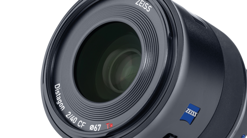 Zeiss Batis 40mm f/2 makes bunch of five for Sony E-mount