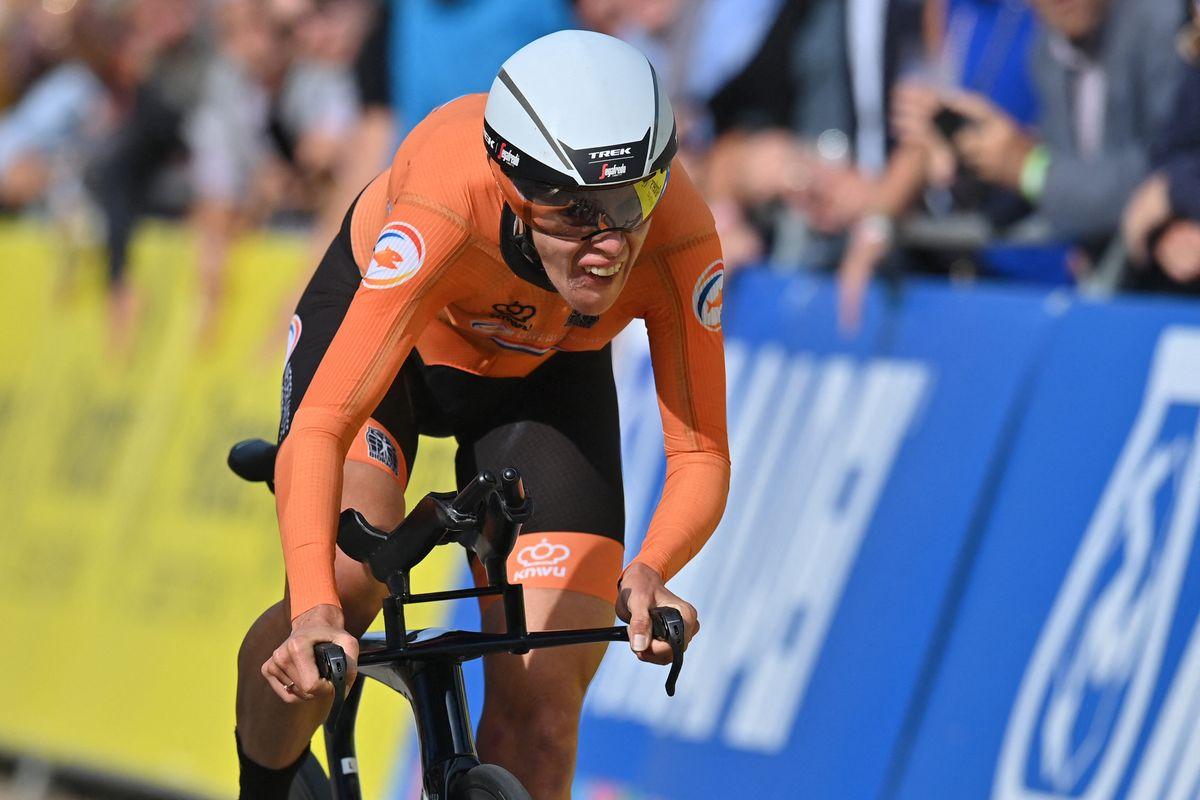 Ellen van Dijk powers to an astonishing World Championships individual time trial title in 2021
