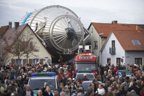 The KATRIN experiment's giant spectrometer passed through Eggenstein-Leopoldshafen, Germany in 2006 on its way to the nearby Karlsruhe Institute of Technology.