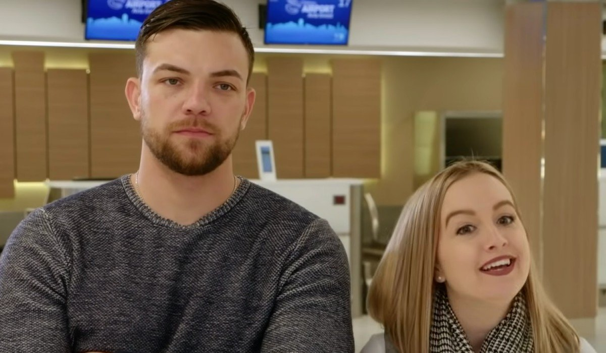 Libby and Andrei at the airport 90 Day Fiance