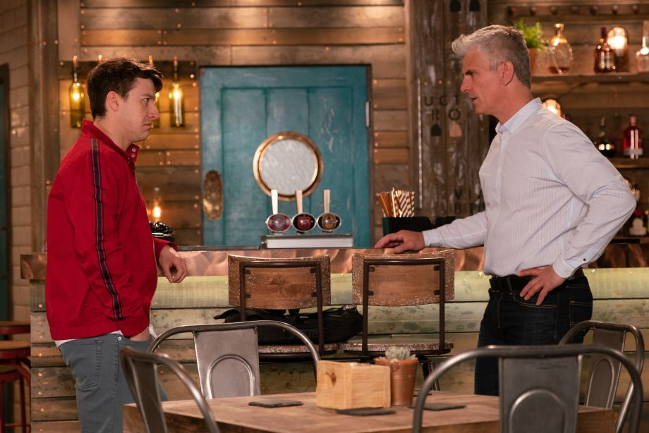 Coronation Street spoilers - Desperate Robert Preston bribes Ryan!